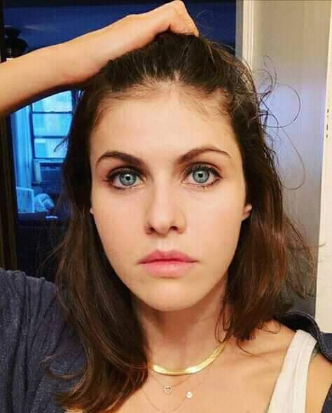 Alexandra Daddario leaked video and pictures went viral